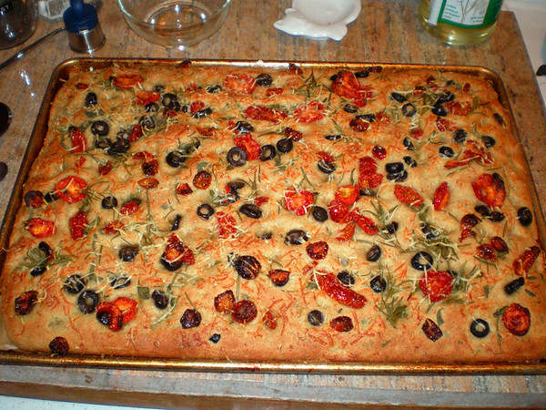 pan focaccia with olives and sun-dried tomatoes